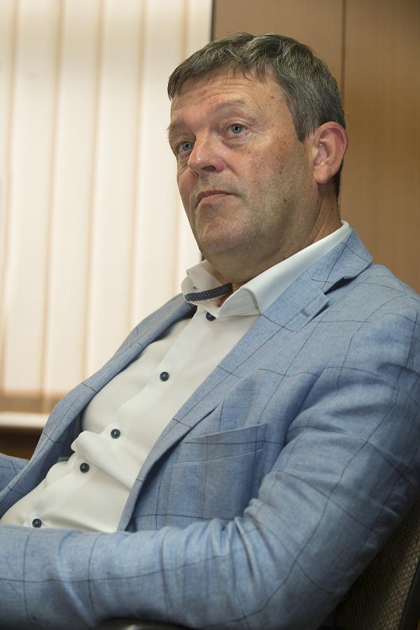 dirk dewulf general manager unpaid